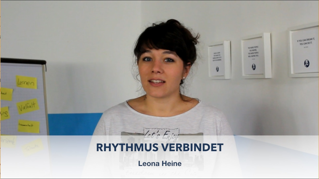 """Leona spricht darüber, wie wichtig Rhythmus ist und stellt eine Rhythmusübung für Kindergruppen vor. [themify_button link=""""/themen/rhythmus-verbindet"""" style=""""small flat"""" color=""""#00a0e3"""" text=""""#ffffff"""" ]WEITER ZUM THEMA[/themify_button]"""